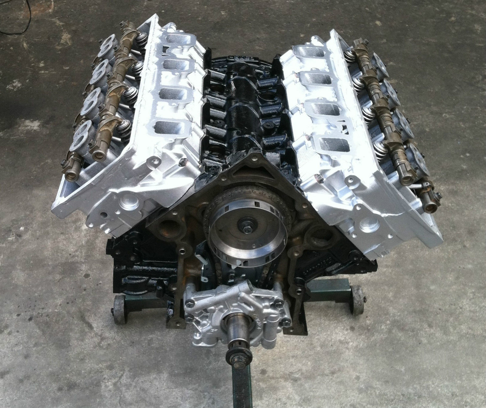 Remanufactured 03-08 5.7L Hemi Long Block Engine
